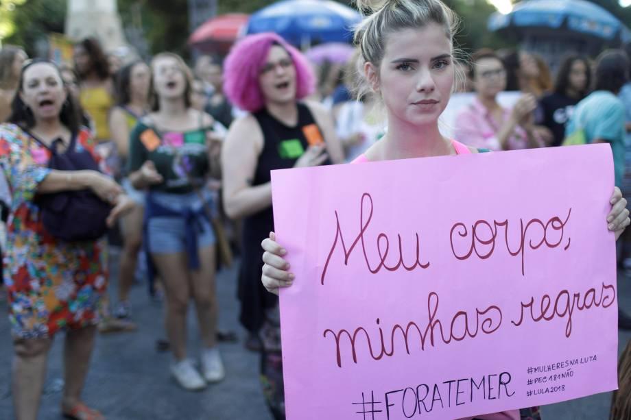 Mulheres protestam contra PEC 181 que pode criminalizar o aborto, no Rio de Janeiro - 13/11/2017