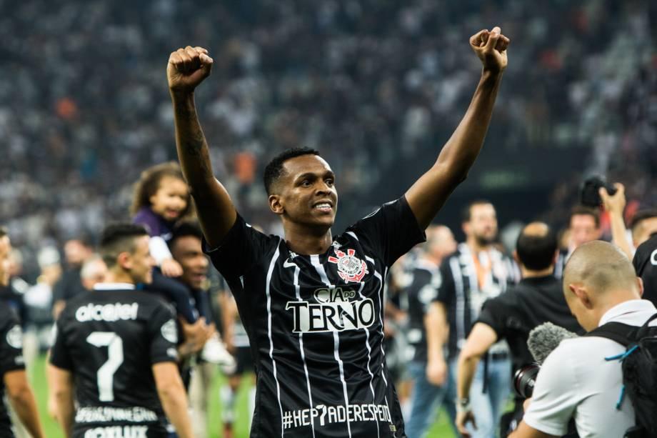 Corinthians vence o Fluminense e conquista o Campeonato Brasileiro pela sétima vez