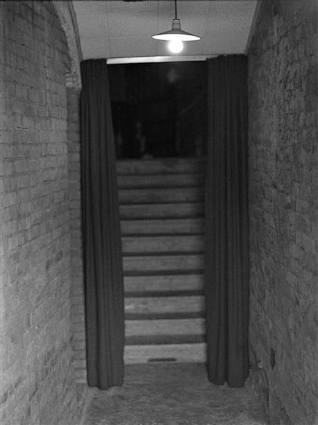 Acesso lateral å platéia (1968)