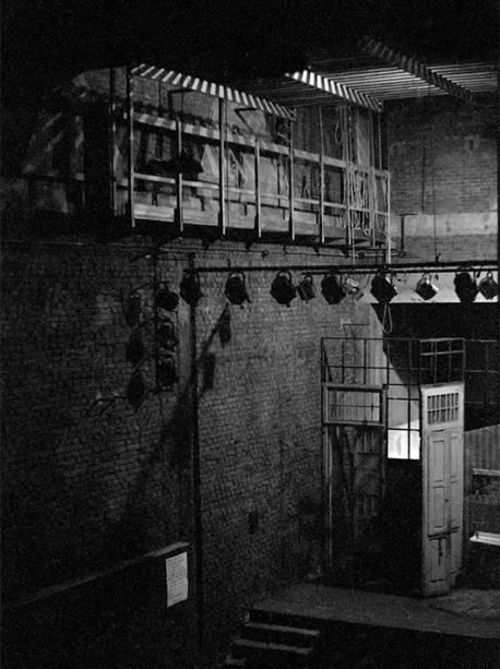 Lateral do palco com galeria técnica (1968)