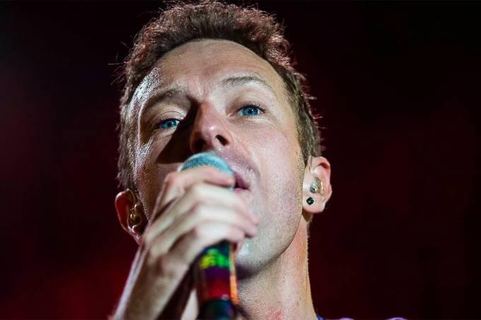 Chris Martin, vocalista da banda britânica Coldplay durante apresentação no Allianz Parque em São Paulo – 07/04/2016