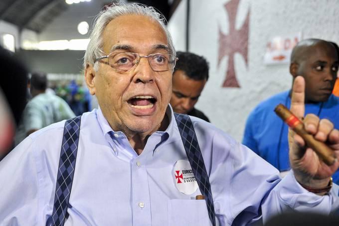 O presidenciável do Vasco, Eurico Miranda, durante as eleições do clube, no Rio