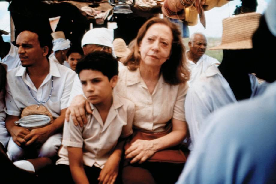 Fernanda Montenegro e Vinicius de Oliveira no filme 'Central do Brasil', de 1998. O longa de Walter Salles levou Fernanda a ser indicada ao Oscar de Melhor Atriz no no seguinte. Até hoje, nenhuma outra atriz brasileira obteve uma indicação semelhante