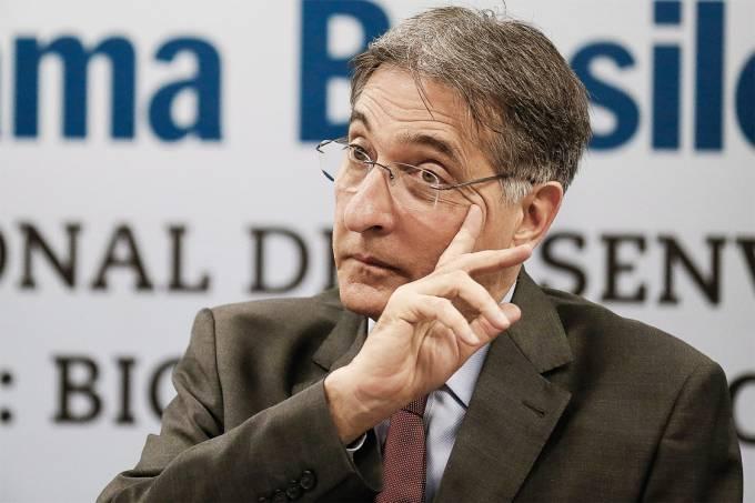 Triunvirato – Fernando Pimentel: morosidade, reeleição e impunidade