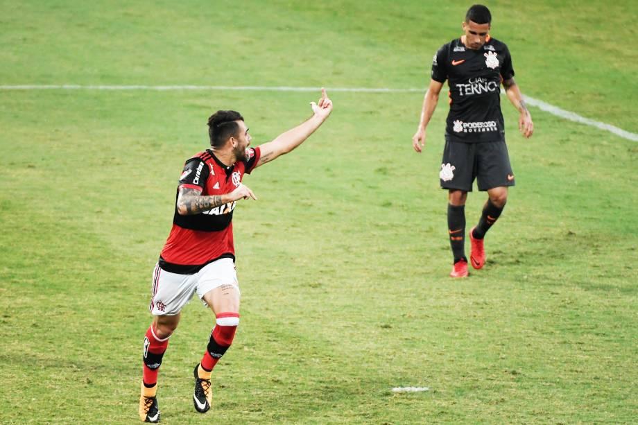Felipe Vizeu comemora gol durante partida entre Flamengo e Corinthians, válida pela 36ª rodada do Campeonato Brasileiro - 19/11/2017