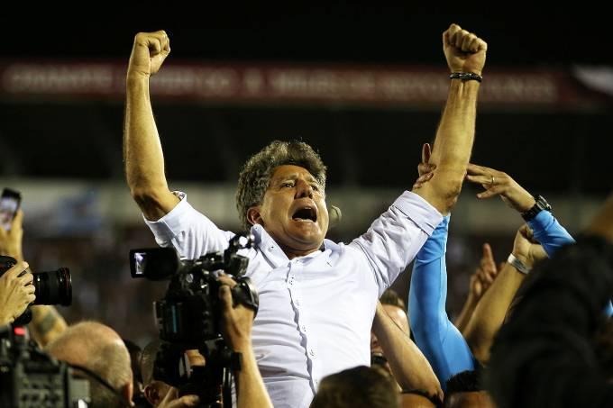 """Este domingo foi o """"Dia do Fico"""" para Renato"""