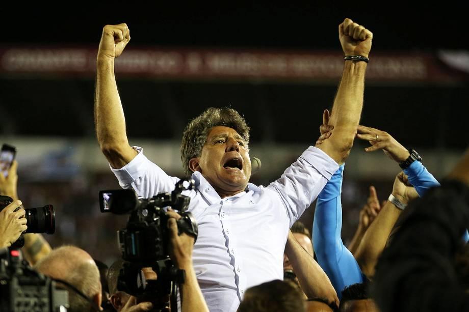 Renato Gaúcho do Grêmio é 1º brasileiro a vencer Libertadores como jogador e técnico - 30/11/2017