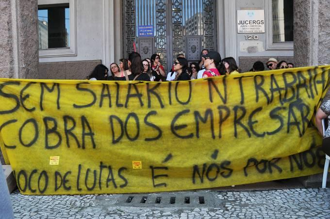Professores fazem manifestação no centro de Porto Alegre – GREVE