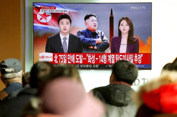 Coreia do Norte faz teste com míssil balístico