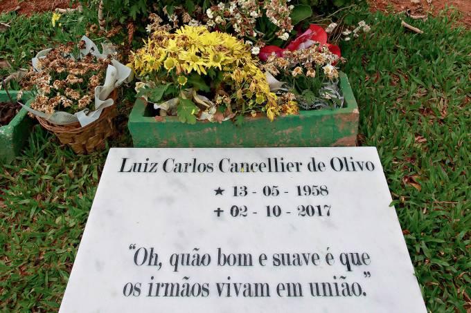 LUIS-CARLOS-OLIVO-TUMULO-2017-5668