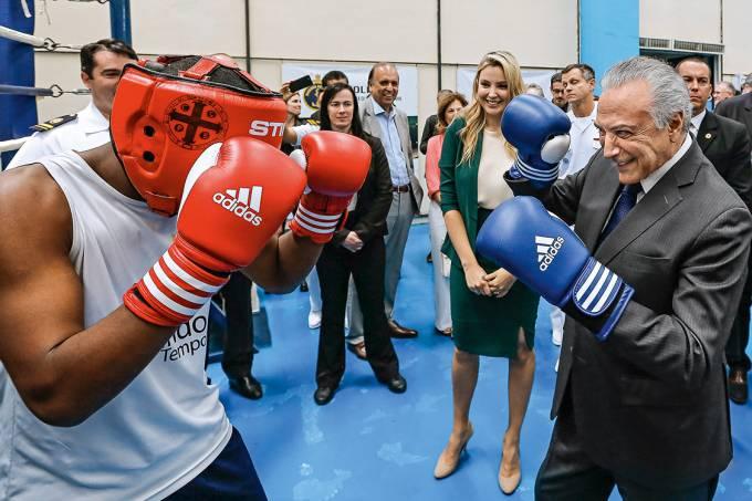 Ringue – Para ampliar seu apoio no Congresso, o presidente Temer baixa ainda mais a guarda ética do governo