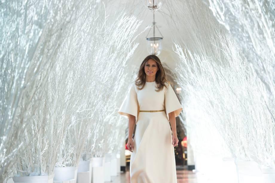 A primeira-dama dos EUA, Melania Trump durante visita às decorações de Natal na Casa Branca, em Washington