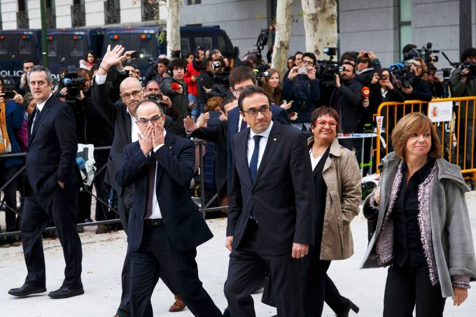 Líderes catalães chegam a tribunal