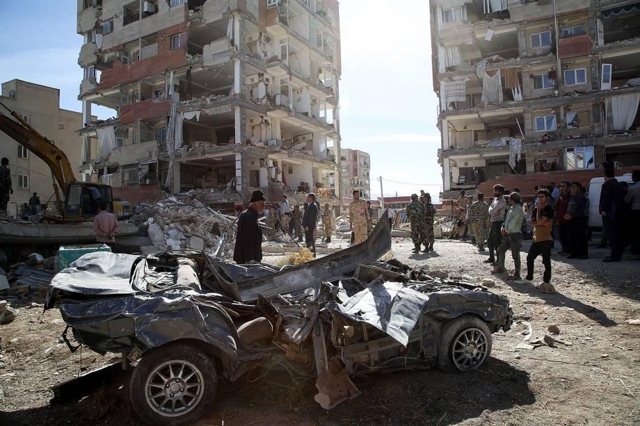 Prédios destruídos na cidade de Sarpol-e Zahab após terremoto atingir a fronteira entre o Iraque e o Irã - 13/11/2017
