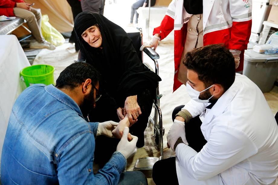 O número de vítimas do terremoto que atingiu a fronteira do Iraque com o Irã subiu para 530 mortos e o de feridos para 8 mil, de acordo com a Reuters, - 14/11/2017