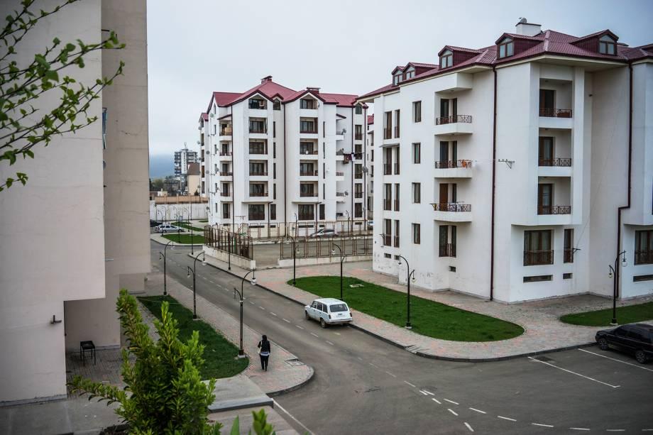 Apartamentos recém construídos na cidade de Stepanakert, em Artsakh.