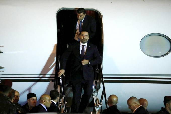O primeiro-ministro do Líbano, Saad Hariri, desembarca no aeroporto de Beirute – 21/11/2017