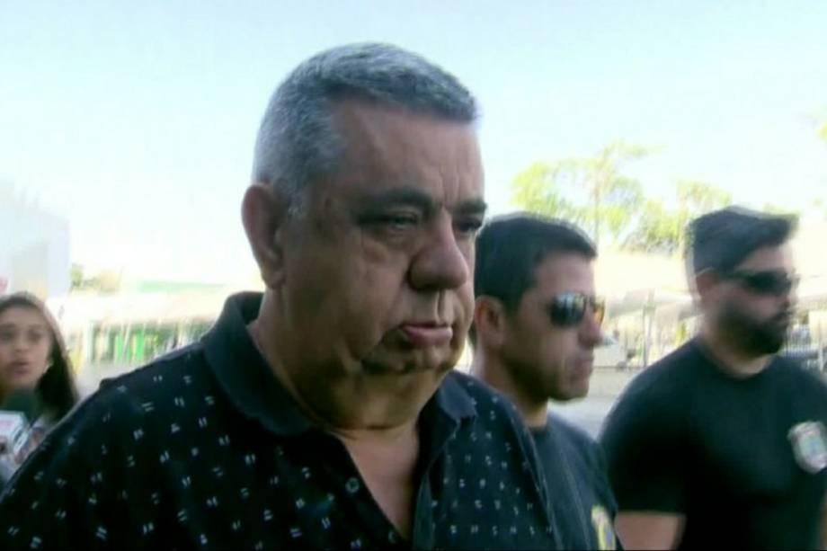 O deputado estadual Jorge Picciani é conduzido por policiais federais durante a Operação Cadeia Velha - 14/11/2017