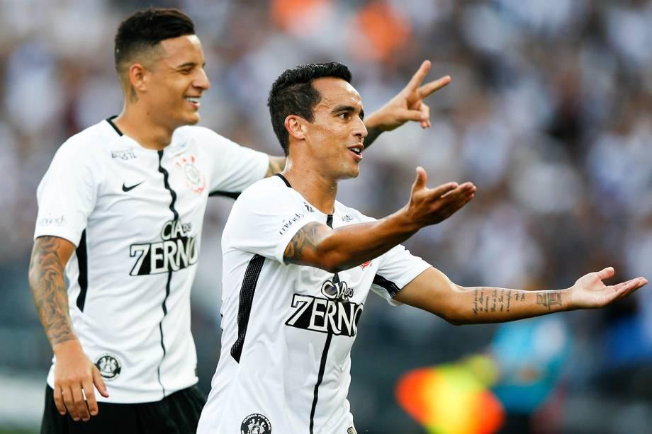 Jadson comemora gol durante partida entre Corinthians e Atlético-MG, válida pela 37ª rodada do Campeonato Brasileiro, realizada em São Paulo (SP) - 26/11/2017