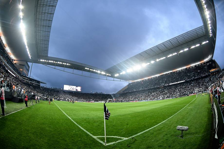 Torcida durante o jogo entre Corinthians e Palmeiras realizado no Arena Corinthians, Zona Leste de São Paulo. O Derby é válido pela 32ª rodada do Brasileirão 2017 - 05/10/2017