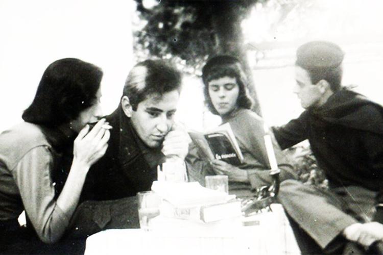 Zé Celso na juventude, com amigos em Araraquara
