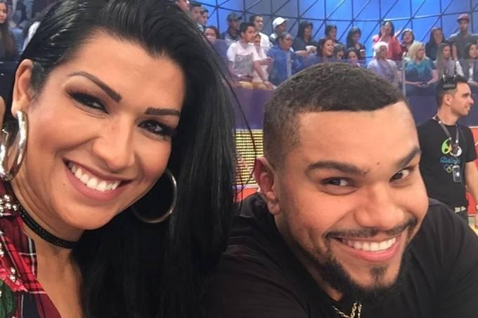 O cantor Naldo e sua mulher, Ellen Cardoso