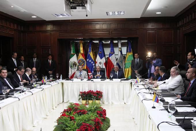 Encontro de membros do governo venezuelano e oposição em Santo Domingo, na República Dominicana – 01/12/2017