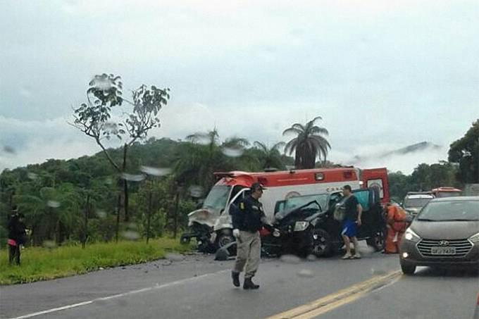 Viatura do Samu se envolve em acidente
