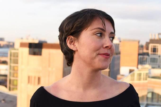 A escriitora Kristen Roupenian
