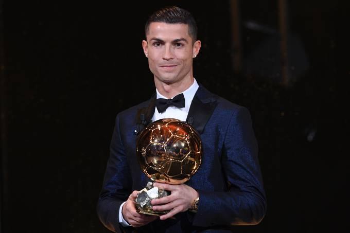 Cristiano Ronaldo conquista a Bola de Ouro pela quinta vez