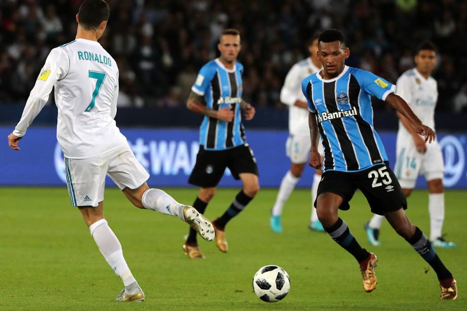 Cristiano Ronaldo durante partida contra o Grêmio, válida pela final do Mundial de Clubes da FIFA, realizada no Estádio Xeique Zayed, em Abu Dhabi - 16/12/2017