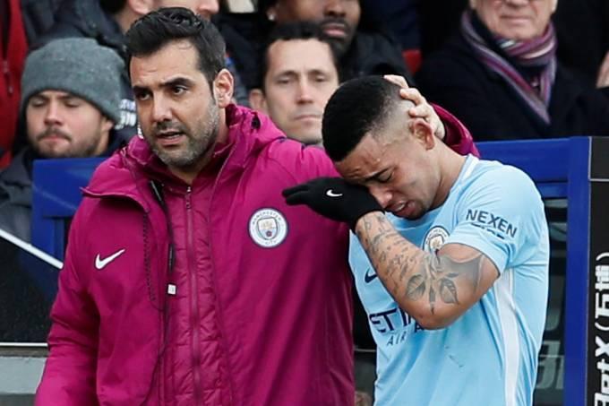 Gabriel Jesus deixa partida do City lesionado