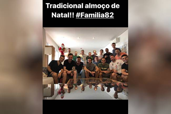Kaká almoça com a família no Natal