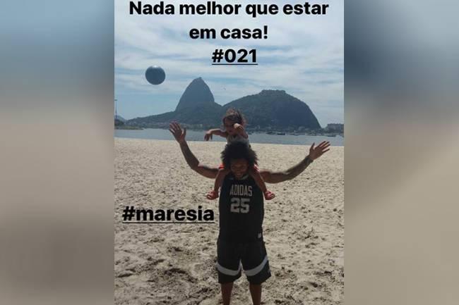 Marcelo curte o Natal na Praia do Botafogo