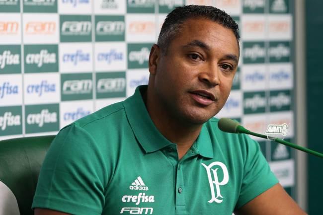 Roger Machado durante apresentação no Palmeiras