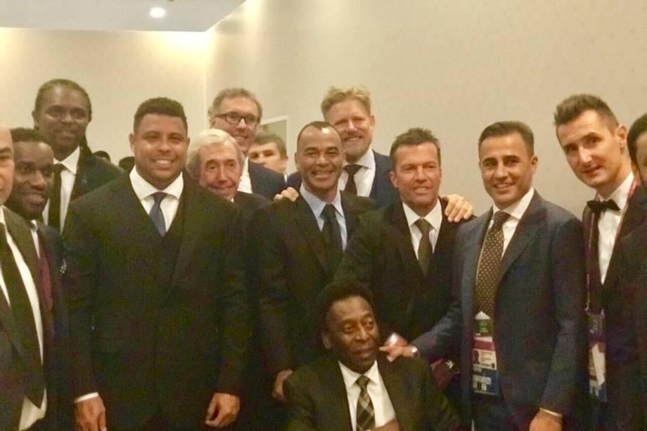 Okocha, Kanu, Ronaldo, Gordon Banks, Blanc, Cafu, Schmeichel, Matthäus, Cannavaro, Klose e Pelé