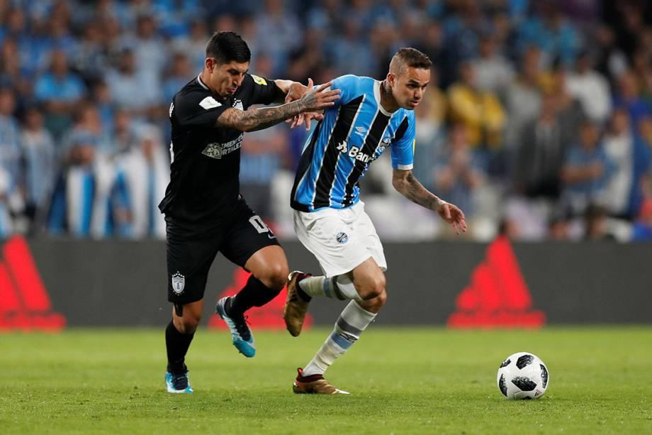 Luan, do Grêmio, em lance na partida contra o Pachuca, pela semifinal do Mundial de Clubes, nos Emirados Árabes