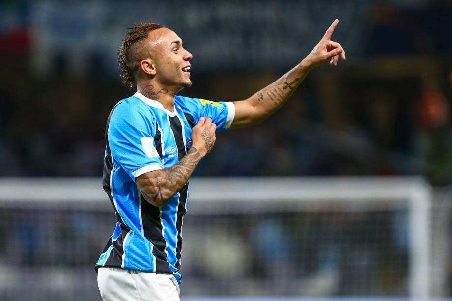 Everton, do Grêmio comemora gol contra o Pachuca, pelo Mundial de Clubes, nos Emirados Árabes