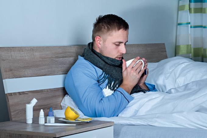 """Sem exagero – Em países de língua inglesa, é comum o termo """"gripe masculina"""" para marcar a diferença, agora justificada"""