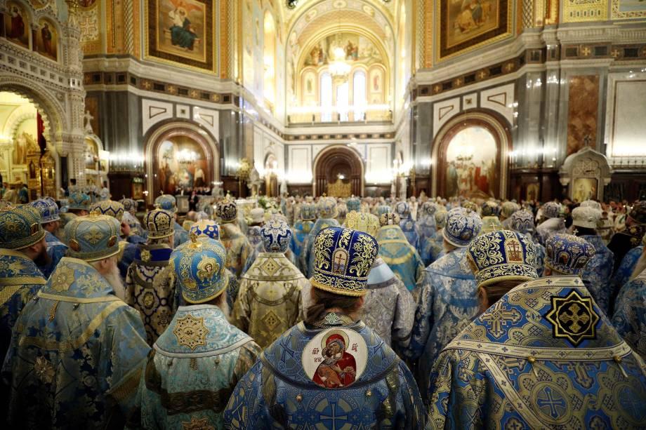 Arcebispos da Igreja Ortodoxa Russa participam de uma liturgia na Catedral de Cristo Salvador, na festa da Apresentação da Virgem Maria no Templo; a liturgia celebra o centésimo aniversário da entronização do Santo Patriarca Tikhon de Moscou - 04/12/2017