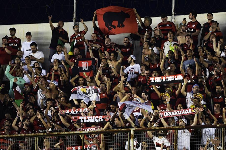 Torcedores do Flamengo, durante o primeiro jogo da final da Copa Sul-Americana contra o Independiente, em Bueno Aires