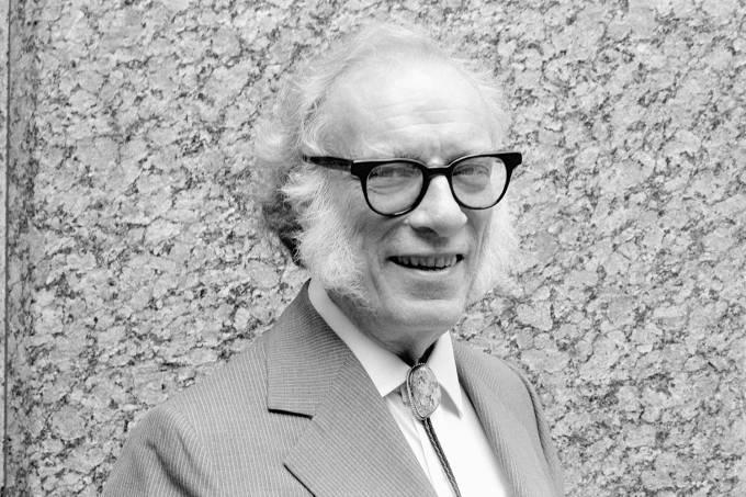 O escritor Isaac Asimov