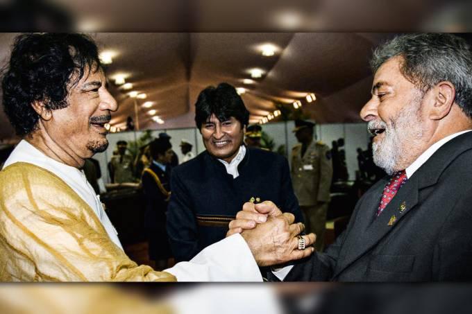 Lula e Muamar Kadafi