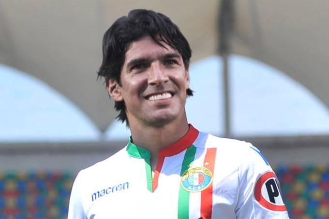 Loco Abreu assina com o Audax Italiano (CHI)