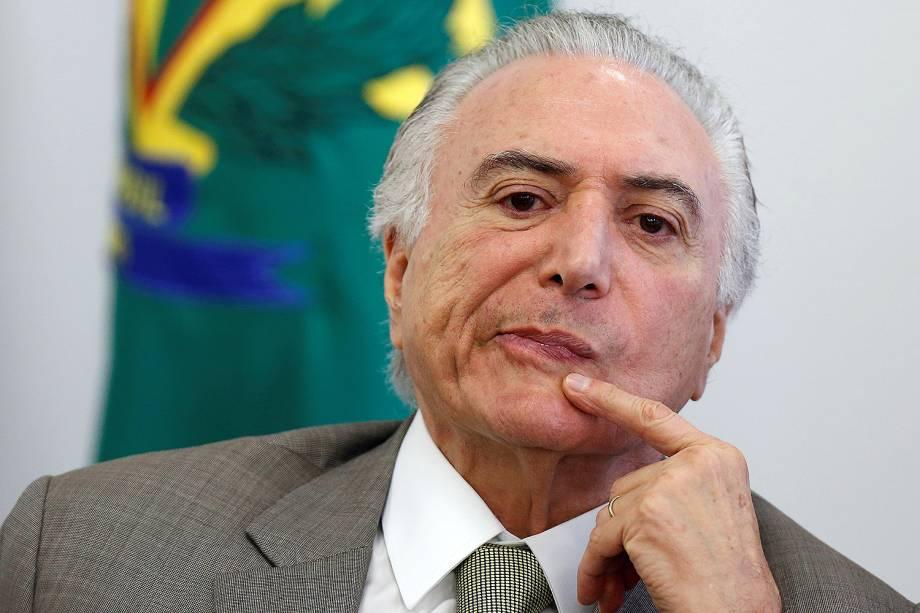 O presidente Michel Temer assina contratos ligados ao Programa Saneamento para Todos (Sanepar), em evento no Palácio do Planalto, em Brasília - 20/12/2017