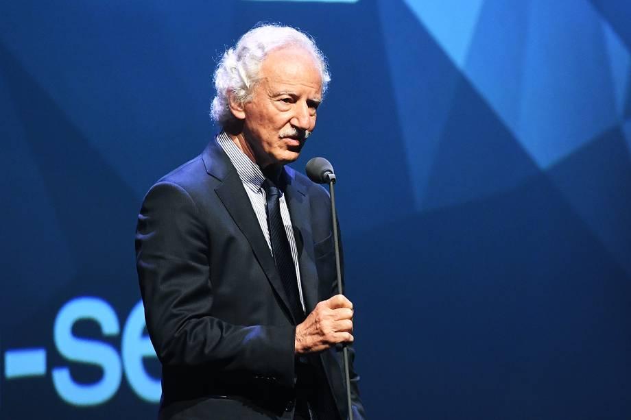 O urologista Miguel Srougi esteve no Prêmio Veja-se para entregar o troféu na categoria 'Saúde'