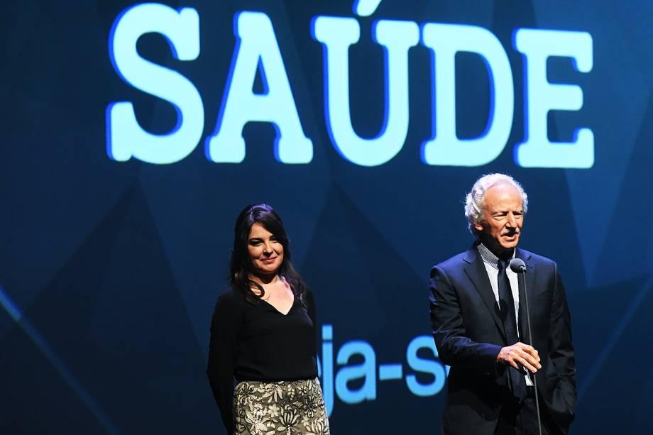 A endocrinologista Maria Edna de Melo e do urologista Miguel Srougi estiveram no Prêmio Veja-se para entregar o troféu na categoria 'Saúde'