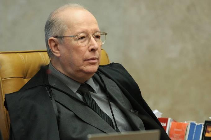Ministro Celso de Mello durante sessão plenária do STF