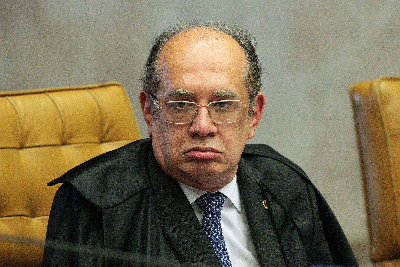Ministro Gilmar Mendes durante a sessão plenária do STF