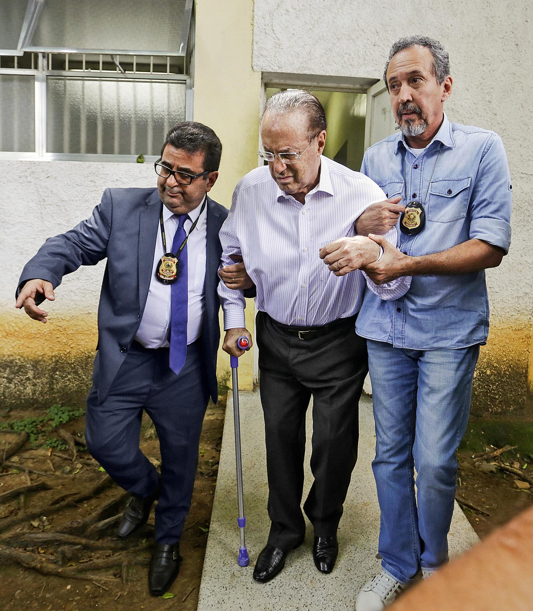 Paulo Maluf deixa o 91º Distrito Policial